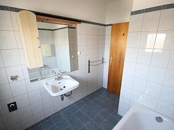 Neue Lift  - Helle 2 Zi Wohnung 64m² - Karl-Marx-Strasse