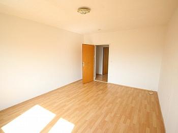 Garage inkl Fenster - Helle 2 Zi Wohnung 64m² - Karl-Marx-Strasse