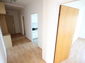 Laminat Zimmer Küche - Helle 2 Zi Wohnung 64m² - Karl-Marx-Strasse