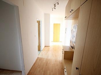 helle Billa Neues - Helle 2 Zi Wohnung 64m² - Karl-Marx-Strasse