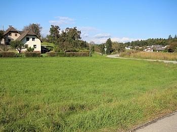 Aich Bebauungsverpflichtung Zufahrtsstrasse - Schöne Eckparzelle 1.114m² in Köttmannsdorf-Aich