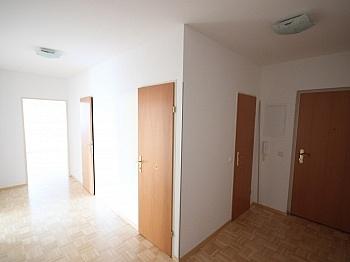 Eigengarten Erdgeschoss Abstellraum - Schöne 3 Zi-Gartenwohnung 90m² in Viktring