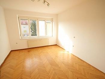 Stellpätze Wohnanlage Wohnküche - 3 Zi Stadtwohnung in der Karawankenzeile