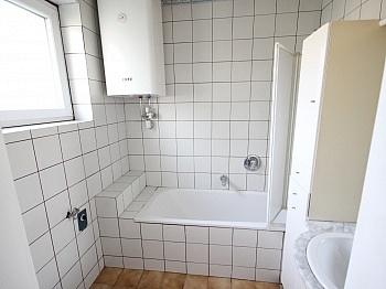 Vorraum kleiner Küche - 3 Zi Stadtwohnung in der Karawankenzeile