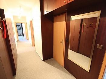Verwaltung Rücklagen Wohnzimmer - 4 Zi Wohnung in Welzenegg