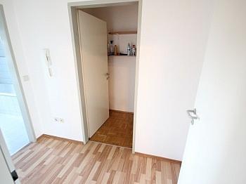 überdachter erstklassige Schlafzimmer - Schöne 2 Zi Wohnung 52m² in Tessendorf
