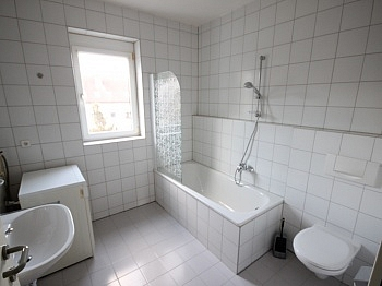 Wohnzimmer Stellplatz Verwaltung - Schöne 2 Zi Wohnung 52m² in Tessendorf