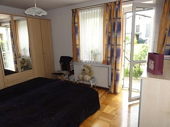 Schlafzimmer Abstellraum Erdgeschoss - Sonnendurchflutete 2 Zi Gartenwohnung in Waidmannsdorf