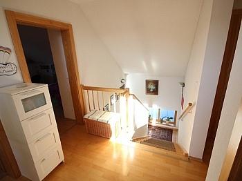 unterkellert Stellplätze Stiegenhaus - Schönes junges Wohnhaus 115m² in Maria Saal