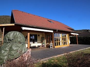 Kachelofen Ausgang Küche - Schönes junges Wohnhaus 115m² in Maria Saal