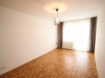 Schrank Vorraum Zentrum - 140m² 4 Zi Maisonettenwhg. Waidmannsdorf Mozartstr