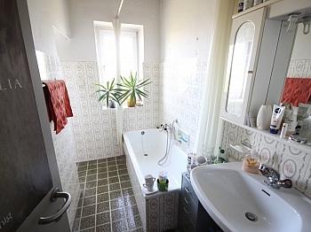Eckbadewanne bestandsfrei Stiegenhaus - Einfamilienwohnhaus 100m² in Annabichl