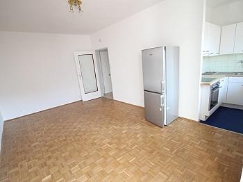 Westloggia Heizung Küche - Schöne 2 Zi Stadtwohnung 52m² - Zentrum