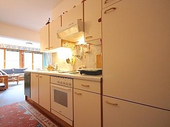 Garderobenbereich Autoabstellplatz Appartementhaus - Helle 2-Zi-Wohnung in Bad Kleinkirchheim