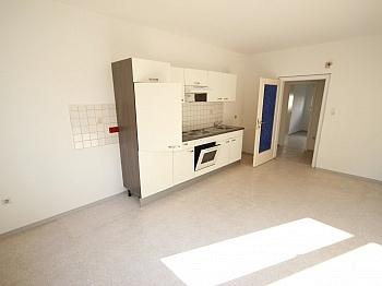 Wohnung saniert Vorraum - Schöne 5 Zi Stadtwohnung 117m² Nähe Messe