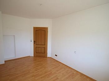 Aussicht gepflegt Laminat - Perfektes Zweifamilienwohnhaus in Dellach/Drau
