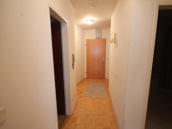 Fliesenböden Parkettböden Infrastruktur - Schöne 2 Zi-Wohnung in Viktring