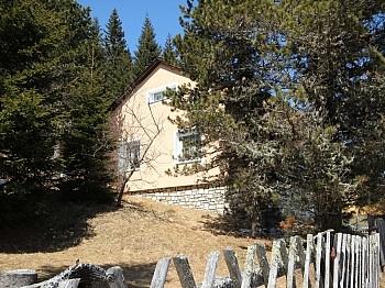 Hanglage Schilift Seehöhe - Saniertes Ferienhaus auf der Flattnitz