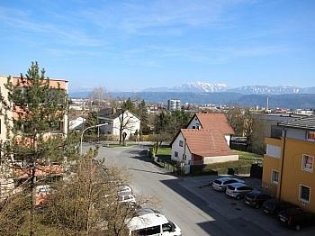 Schöne großen Fassade - Schöne helle 4 Zi Eckwohnung 107m² am Spitalberg