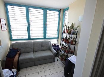 Jalousien Badewanne genützt - Schöne 2 Zi Wohnung 68m² in Feschnig