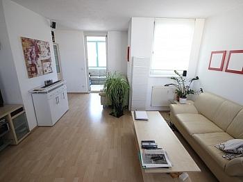inkl Holzisolierglasffenster Besucherparkplätze - Schöne 2 Zi Wohnung 68m² in Feschnig