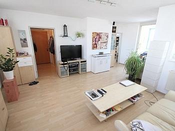 Fernwärme Stockwerk Wohnung - Schöne 2 Zi Wohnung 68m² in Feschnig