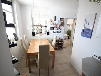 verglastem Deckenhoch Stellplatz - Schöne 2 Zi Wohnung 68m² in Feschnig