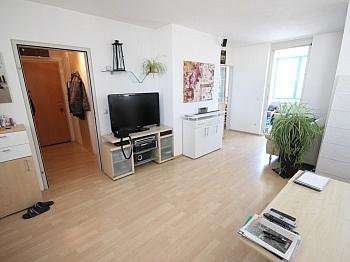 Abstellraum Hauseingang Wohnküche - Schöne 2 Zi Wohnung 68m² in Feschnig