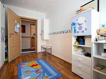 großzügige Kinderzimmer Kellerabteil - Moderne 3-Zi-Wohnung in Launsdorf
