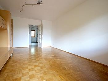 Beschreibung Kinderzimmer Universität - Sonnige 3-Zi-Wohnung in der Mozartstraße Nähe Uni