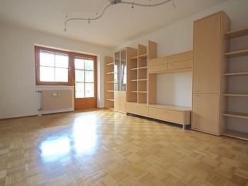 unmittelbarer Vertragsdauer Fliesenböden - Sonnige 3-Zi-Wohnung in der Mozartstraße Nähe Uni