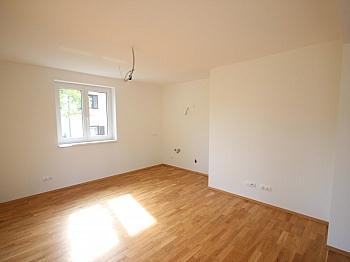 Wohnfläche hochwertige Warmwasser - Neue 3 Zimmer Gartenwohnung in Reifnitz