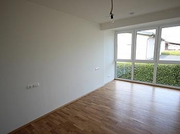Rücklagen exklusiven Wohnzimmer - Neue 3 Zimmer Gartenwohnung in Reifnitz