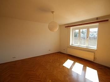 Gepflegt Fenster Vorraum - Günstige 2 Zimmerwohnung nahe Zentrum