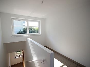Stiegenhaus Wohnküche überdacht - 3 Zi Penthouse 100m² mit XL Terrasse-Lemischgasse