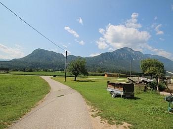 vermietet jährlich Wohnhaus - Kleine Landwirtschaft mit 1,05 Hektar-Sittersdorf