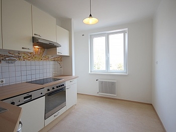 Bindung Vorraum Küche - Helle 3-Zimmer Wohnung in der August-Jaksch-Str.