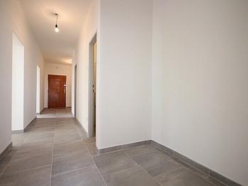 inkl Wohnung Loggia - Helle 3-Zimmer Wohnung in der August-Jaksch-Str.