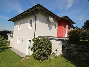 Wohnhaus Vorraum Küche - Neuwertiges 123m² Wohnhaus in Köttmannsdorf