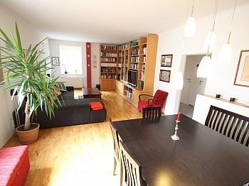 Kachelofen traumhafte gepflegtes - Schönes Zweifamilienwohnhaus 170m² - Waidmannsdorf