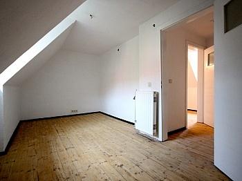 Erdgeschoss zusätzlich ausgebauter - Schönes Mittelreihenhaus in Kühnsdorf