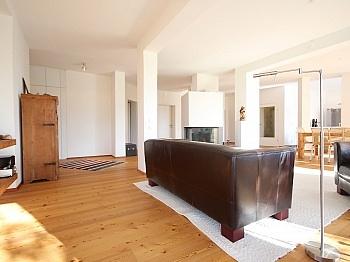 integrierter Gästezimmer ausgestattet - Stylische 4-Zimmer Gartenwohnung in Köttmannsdorf