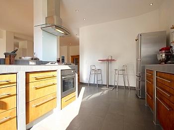 Haushaltsstrom Abstellplätze unverbaubahrer - Stylische 4-Zi. Terrassenwohnung in Köttmannsdorf