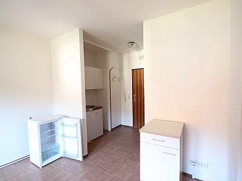 Stellplätze Wohnfläche Westloggia - 28m² Garconniere in Viktring