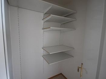 Kinderzimmer Schlafzimmer Garagenplatz - 3 Zi Whg. Viktring sehr guter Zustand + Tiefgarage
