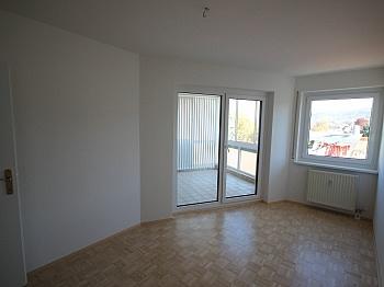 Wohnanlage Wohnzimmer Warmwasser - 3 Zi Whg. Viktring sehr guter Zustand + Tiefgarage