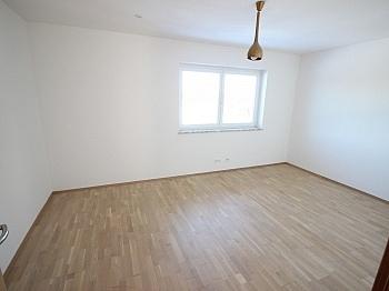Fliesenböden Kinderzimmer Stellplätze - Neuwertiges 123m² Wohnhaus in Köttmannsdorf