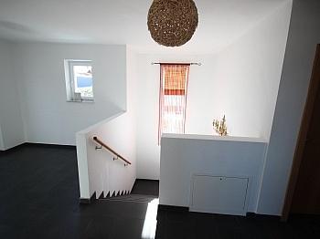 Flächenverlegung Wohnbauförderung Fußbodenheizung - Neuwertiges 123m² Wohnhaus in Köttmannsdorf