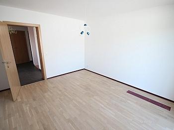 großen geringe Heizung - Neuwertiges 123m² Wohnhaus in Köttmannsdorf