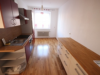 möblierte Wohnküche Wohnzimmer - Schöne 2 Zi 66m² Stadtwohnung - Klagenfurt
